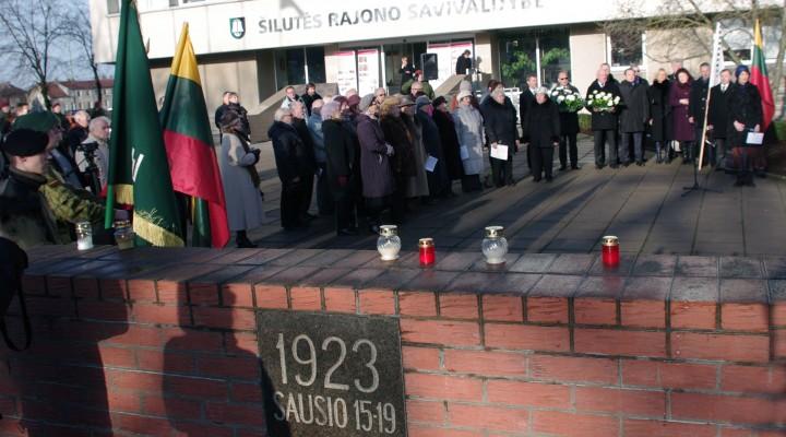 Bemaž prieš du dešimtmečius pastatytas paminklinis ženklas, pagal žymiausių Mažosios Lietuvos architektų daktarų Marijos ir Martyno Purvinų projektą, įprasminantis Klaipėdos krašto prijungimą prie Lietuvos.