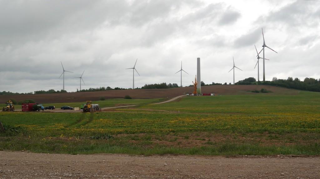 Tarybos nariai vieningai nepritarė svarstyti sprendimo projektą, leisianti statyti dar 161 vėjo jėgainės parką.
