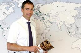 """Pasak UAB """"Klasmann-Deilmann Lietuva"""" generalinio direktoriaus Kazimiero Kaminsko, Šilutėje pagaminti durpių substratai gabenami į 80 pasaulio šalių."""