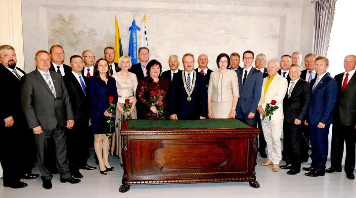 Sumažėjus Šilutės rajone gyventojų, nuo šių metų Savivaldybės taryboje bus nebe 27, kaip buvo ilgą laiką, o 25 nariai.