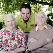 Savo senelius – kretingiškius Joną ir Jadvygą Baužius – Amerikoje gyvenantis Nerijus Gulbickas vadina antraisiais tėvais. Ritos Nagienės nuotr.