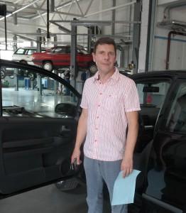 """""""BOSH Car Service"""" vadovas Žydrūnas Šikšnius rūpinasi, kad klientų automobiliai būtų suremontuoti greitai ir kokybiškai."""
