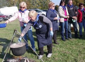 Ventės-Šturmų kaimų bendruomenė virė saldžią sriubą.