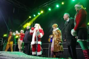 Kalėdų Senelis linkėjo linksmų švenčių, pažadėjo išpildyti miestelėnų svajones.