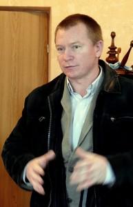 Saugų vaikų globos namų direktorius Eugenijus Judeikis dėl plintančio girtavimo ir smurto Lietuvą pavadino balansuojančia ant ribos.
