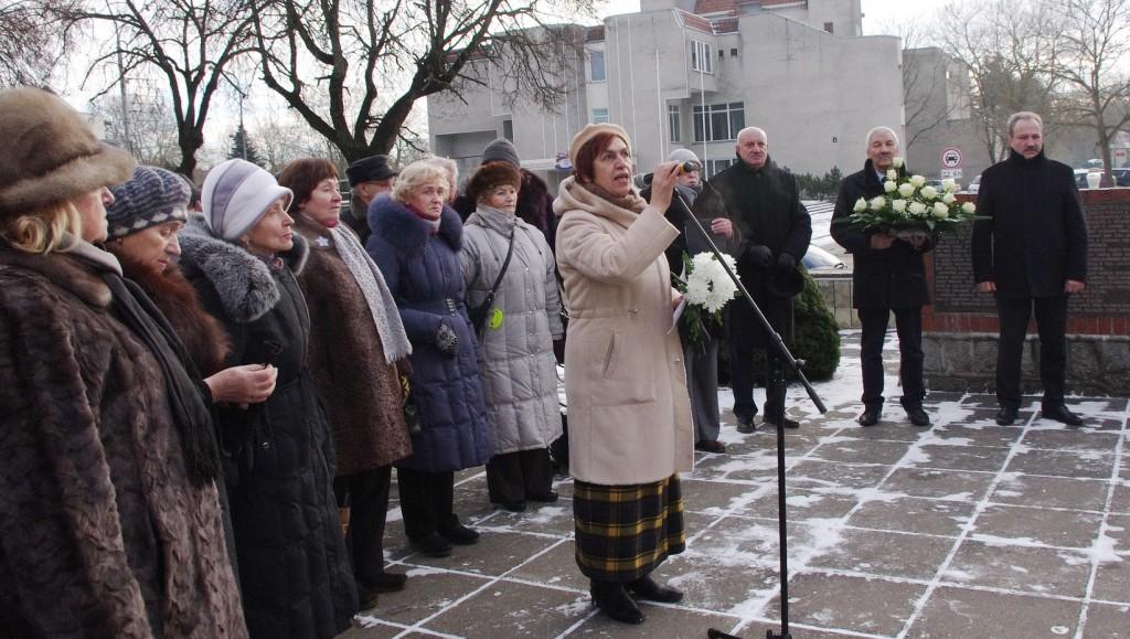 Šilutės Hugo Šojaus muziejaus direktorė Roza Šikšnienė priminė, kuo mums, šilutiškiams,  yra reikšmingi 1923-iųjų sausio įvykiai.