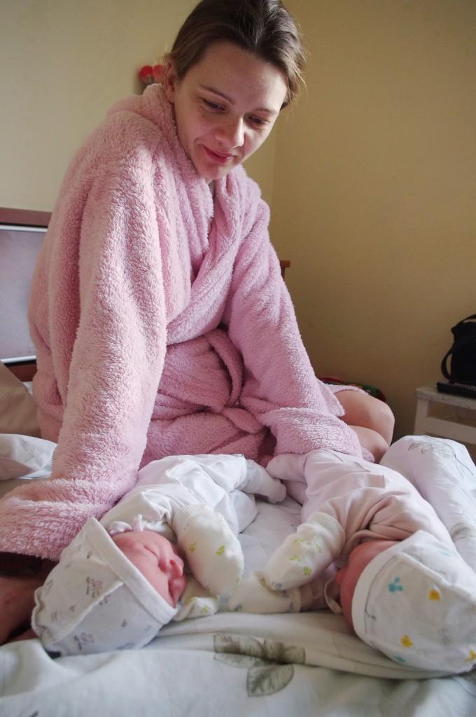 Pagryniškė Giedrė Bžeskuvienė pagimdė dvynukes.