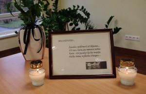 Kražiuose lapkritį nužudytos socialinės darbuotojos atminimą uždegusios žvakutę pagerbė ir Šilutės socialinių paslaugų centro darbuotojos.