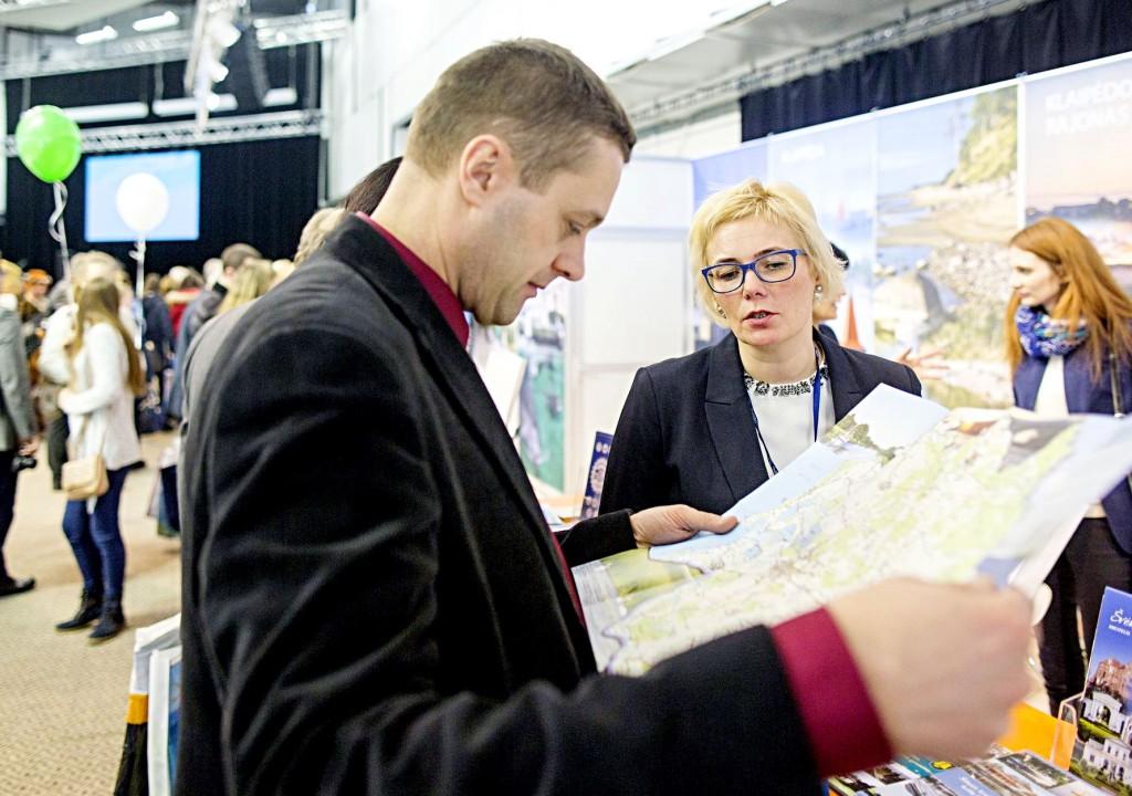 Pasak Šilutės turizmo informacijos centro direktorės Rasos Kmitienės, lankytojų susidomėjimo bendra Vakarų regiono ekspozicija parodoje netrūko.