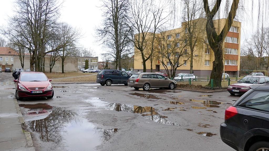 Tarp Parko g., Lietuvininkų g. ir Liepų g. esančių daugiabučių kiemai netrukus gyventojams taps gerokai patogesni.