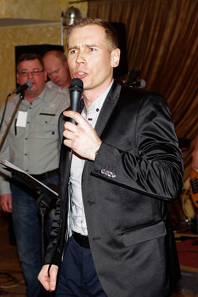 Rūtenis Jankauskas dainavo ir su grupe, ir solo.