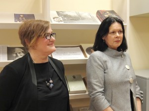 Žemaičių Naumiesčio bibliotekoje dirba Nijolė Rimkienė ir Danutė Bružienė.