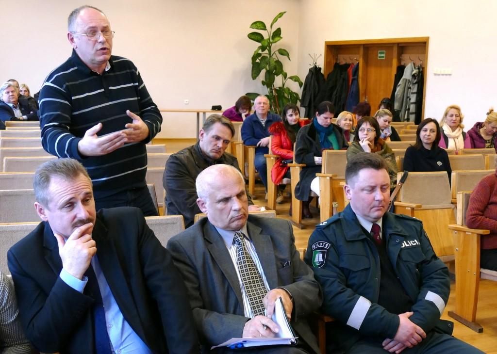 Susitikime su Savivaldybės vadovais nemažai klausimų uždavė buvęs LR Seimo narys Audrius Endzinas.