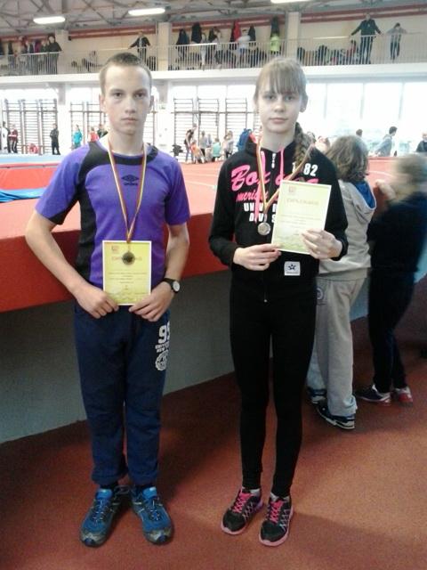 Lengvaatlečiai Augustė Baužaitė ir Deividas Bugys puikiai pasirodė Lietuvos vaikų lengvosios atletikos pirmenybėse.