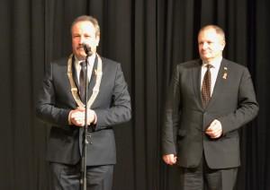Šventės proga šilutiškius ir premijos laureatus sveikino meras V. Laurinaitis ir Seimo vicepirmininkas K. Komskis.