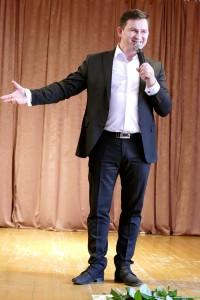Šių metų Eurovizijos atrankos konkurso dalyvis Valdas Lacko pirmą kartą ant scenos užlipo besimokydamas Šilutės turizmo ir paslaugų verslo mokykloje.