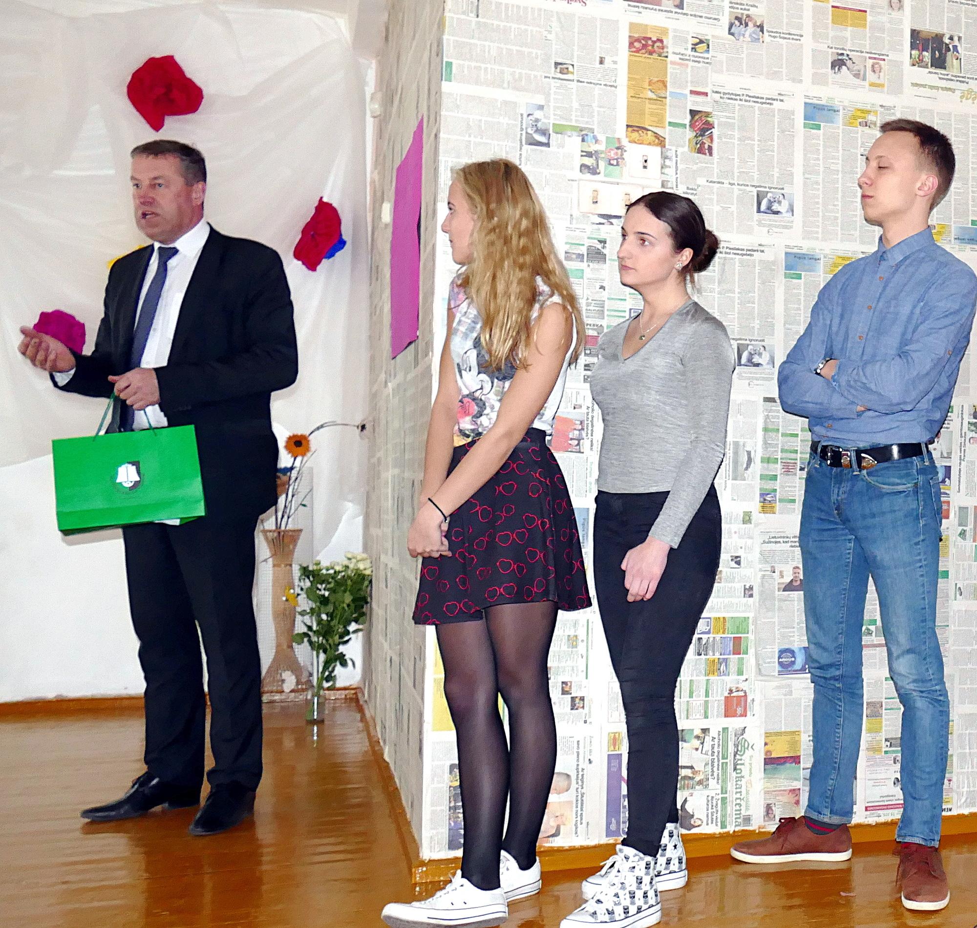 Pasveikinti jaunuolių įkurtuvių proga atvyko Šilutės rajono savivaldybės Administracijos direktoriaus pavaduotojas Virgilijus Pozingis.