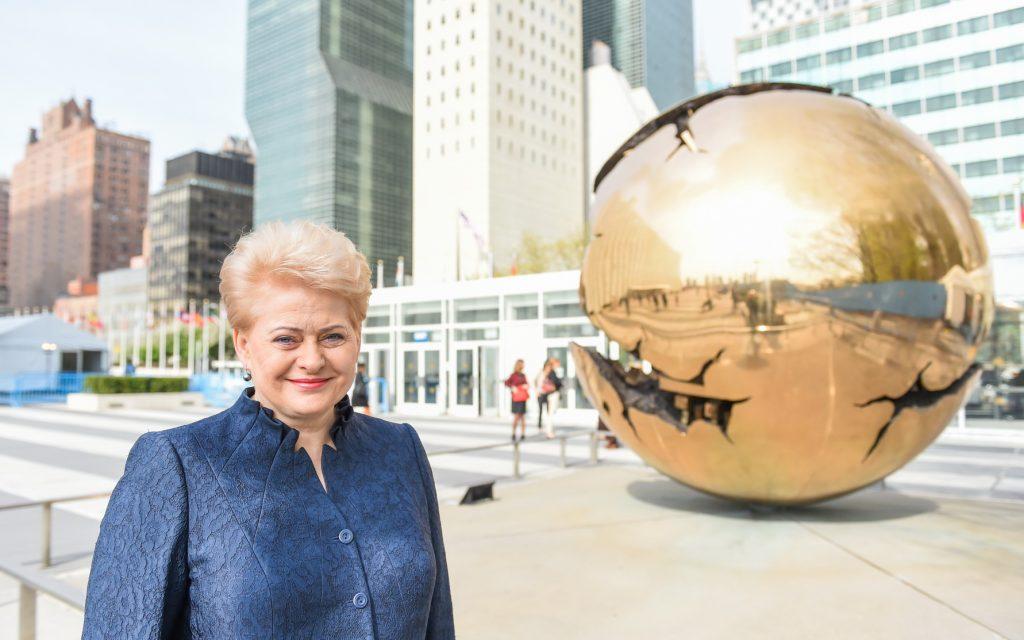 Prezidentė neseniai dalyvavo Paryžiaus klimato kaitos susitarimo pasirašymo ceremonijoje Niujorke.