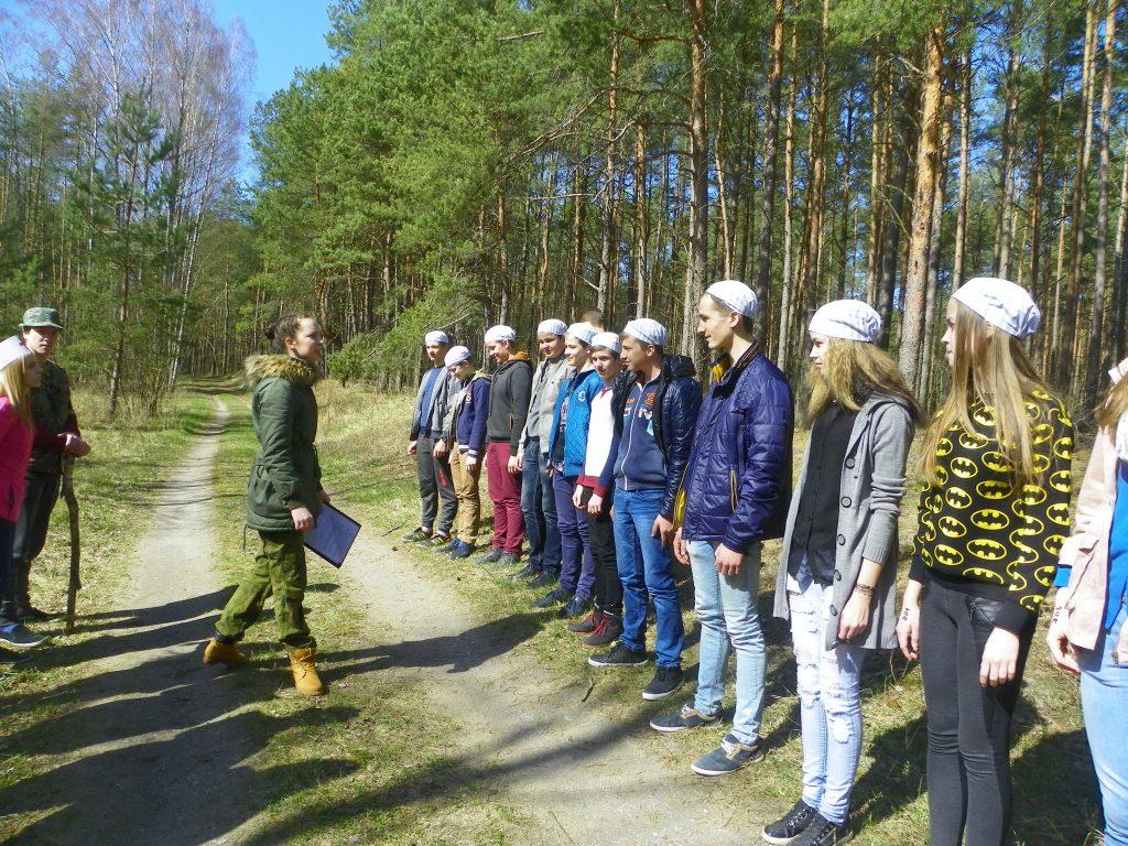 """Pamokos metu """"Švėkšnos"""" gimnazijos mokiniai tapo koncentracijos stovyklos kaliniais."""