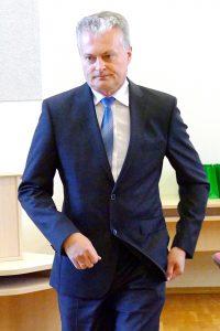 SEB banko prezidento patarėjas dr. Gitanas Nausėda, gimęs Klaipėdoje, pirmą kartą atvyko į Šilutę ir už tokią proga padėkojo jį čia pakvietusiai Lietuvos mokslų akademijai.