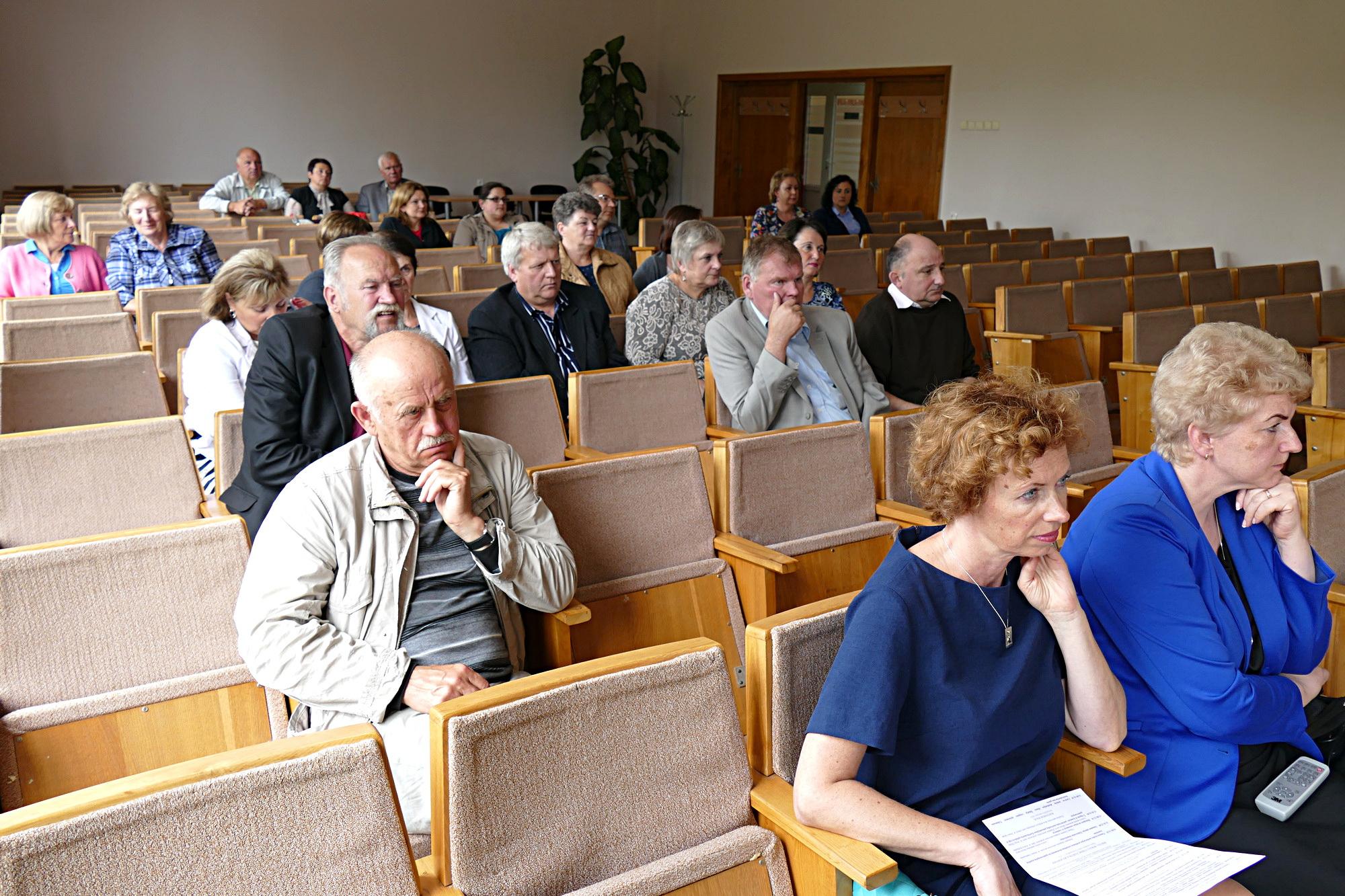 Pasiklausyti mokslininkų pranešimų Šilutės seniūnijoje susirinko būrelis įvairių sričių specialistų.