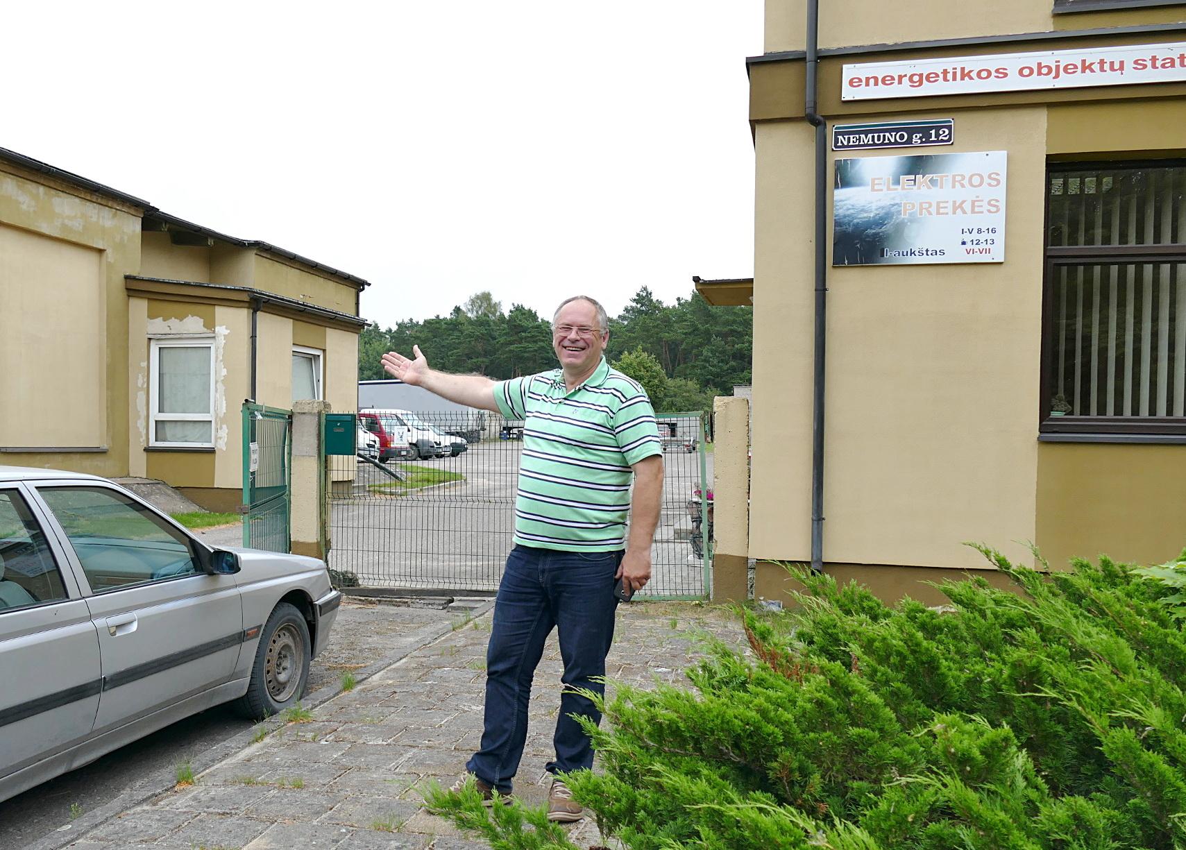 """UAB """"Energetikos objektų statyba"""" vadovas Audrius Endzinas siūlo naują Šilutės autobusų parką statyti ne Dariaus ir Girėno gatvėje, bet Nemuno g. 12 esančioje teritorijoje, kur kažkada buvo paruošų kontora."""