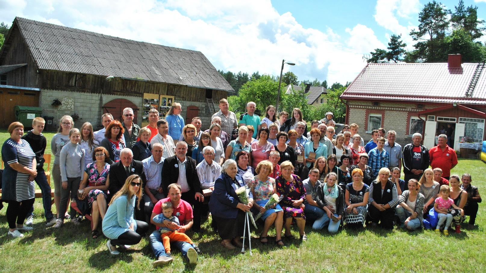 Nuotrauka prisiminimui: Mociškių kaimo buvusių ir esamų gyventojų antrasis susitikimas, 2016 m.