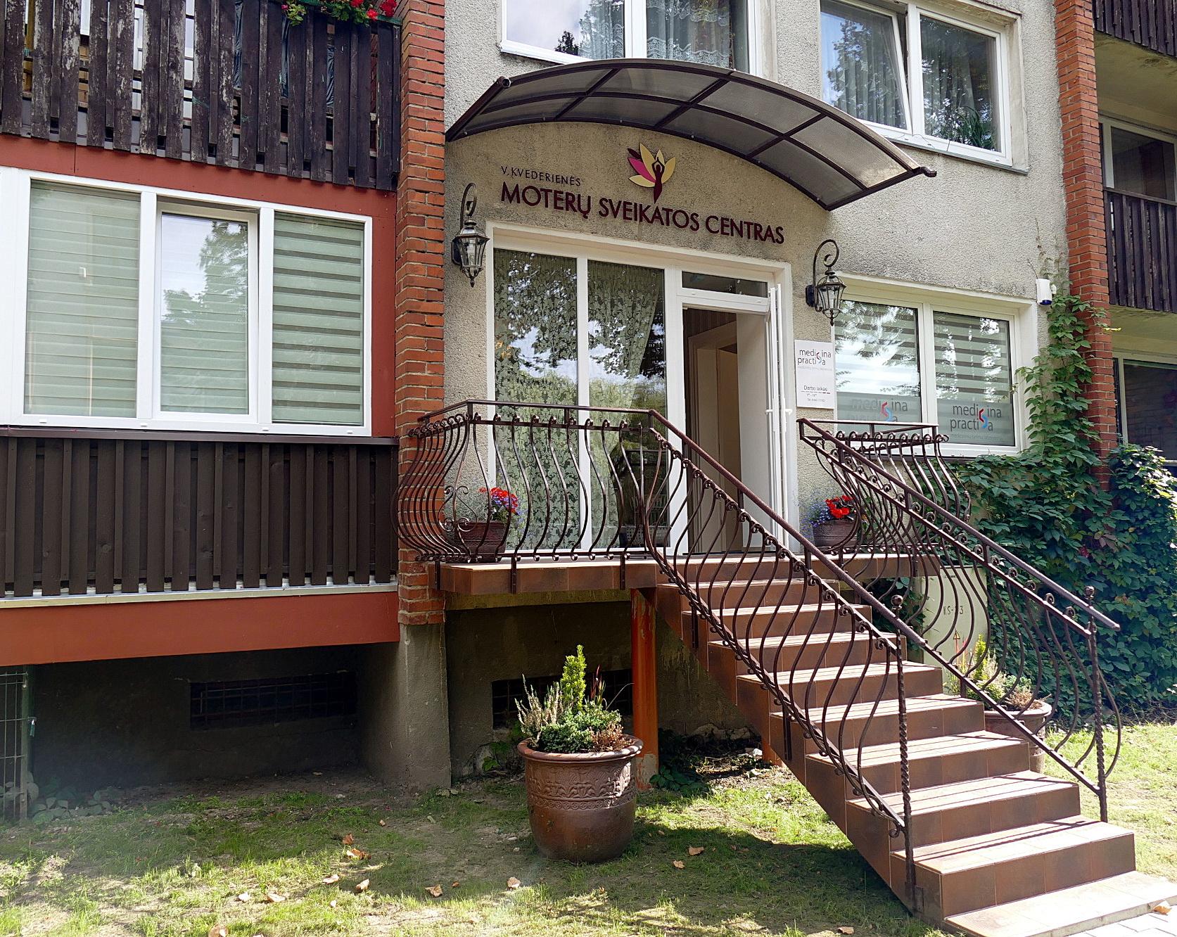 """Lietuvininkų g. 12 (įėjimas iš Parko gatvės) vienoje patalpoje duris atvėrė UAB """"Medicina practica"""" medicinos tyrimų centras ir Vidos Kvederienės Moterų sveikatos centras."""