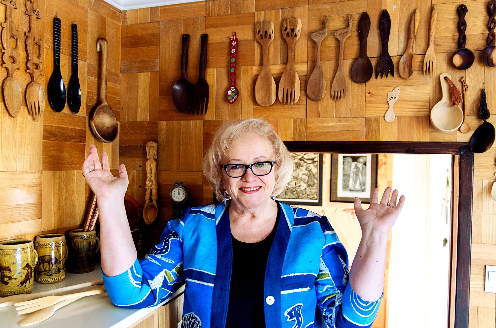 Dalia Norvilienė per du dešimtmečius surinko 93 medinius šaukštus ir šakutes.
