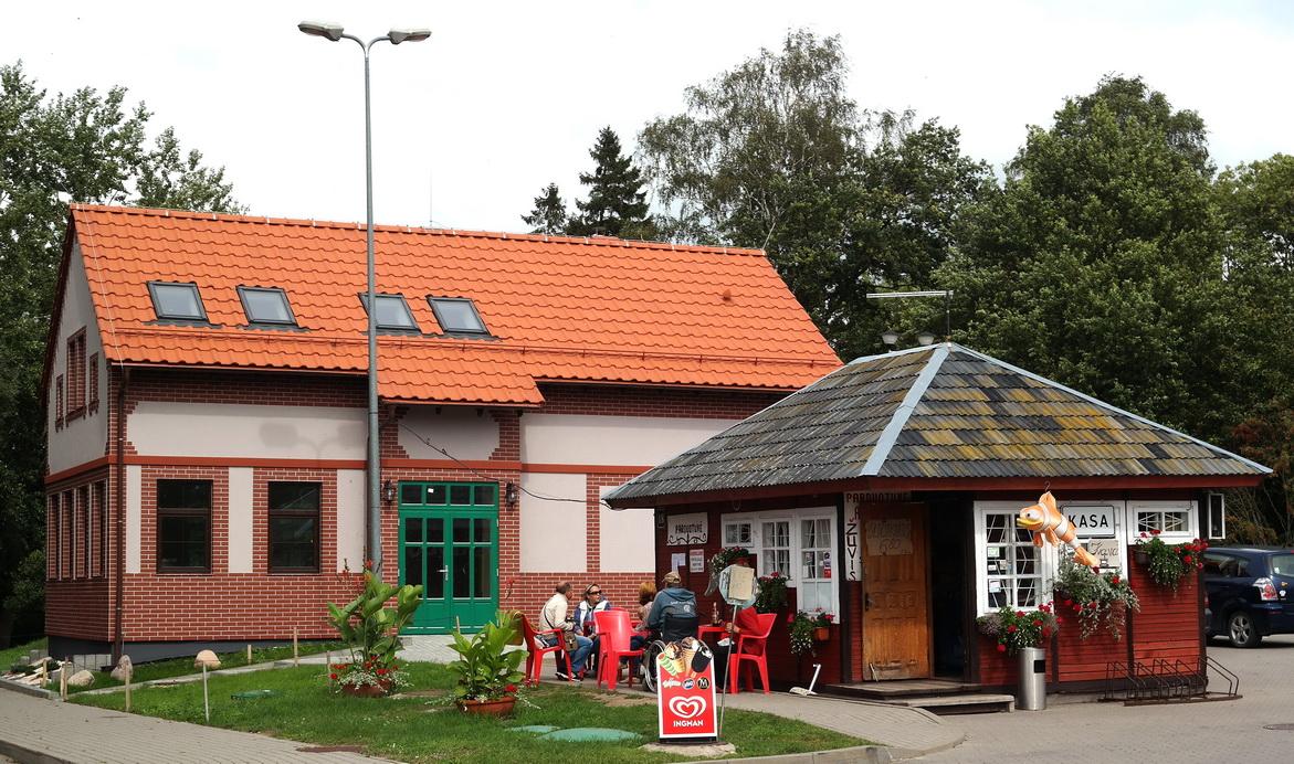 Kuklų prekybinį kioską pakeis neaiškiomis aplinkybėmis Nemuno deltos regioninio parko teritorijoje išdygęs gerokai didesnis prekybos paviljonas.
