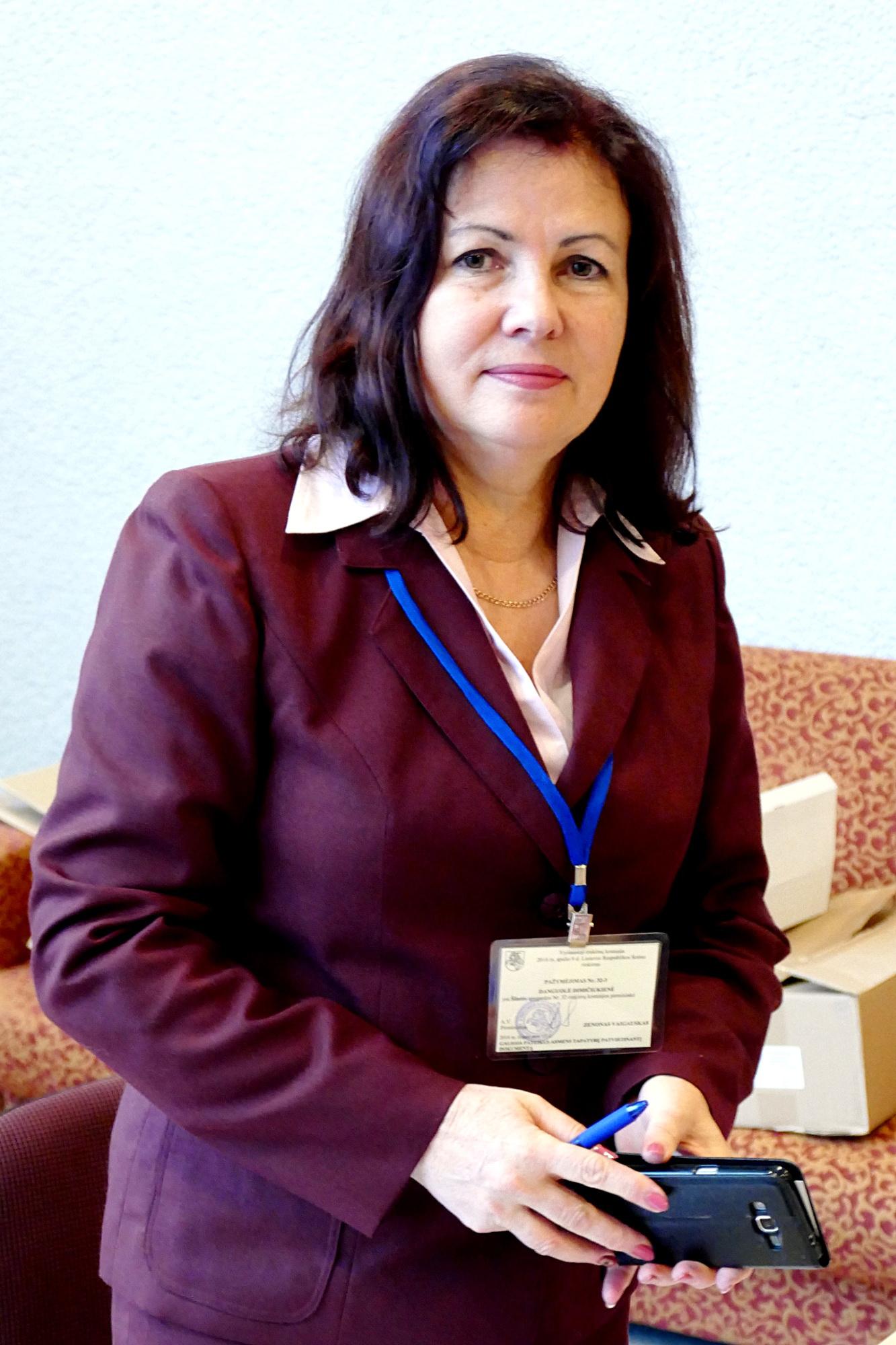 Šilutės rajono apygardos rinkimų komisijos pirmininkės Danguolės Dimičiukienės teigimu, nors rinkėjų skaičius sumažėjęs, jų aktyvumas išliko toks pat.