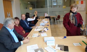 Šilutės apygardos rinkimų komisija pirmąją išankstinio balsavimo dieną sulaukė nedaug rinkėjų.