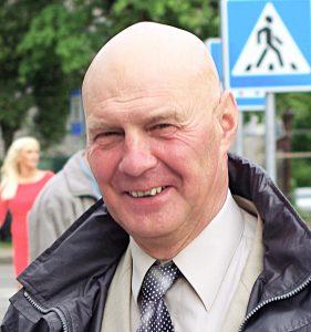 Alfredas Stasys Nausėda priklauso 58 narius turinčiai Valstiečių ir žaliųjų sąjungos frakcijai, yra Seimo Kaimo reikalų komiteto narys.