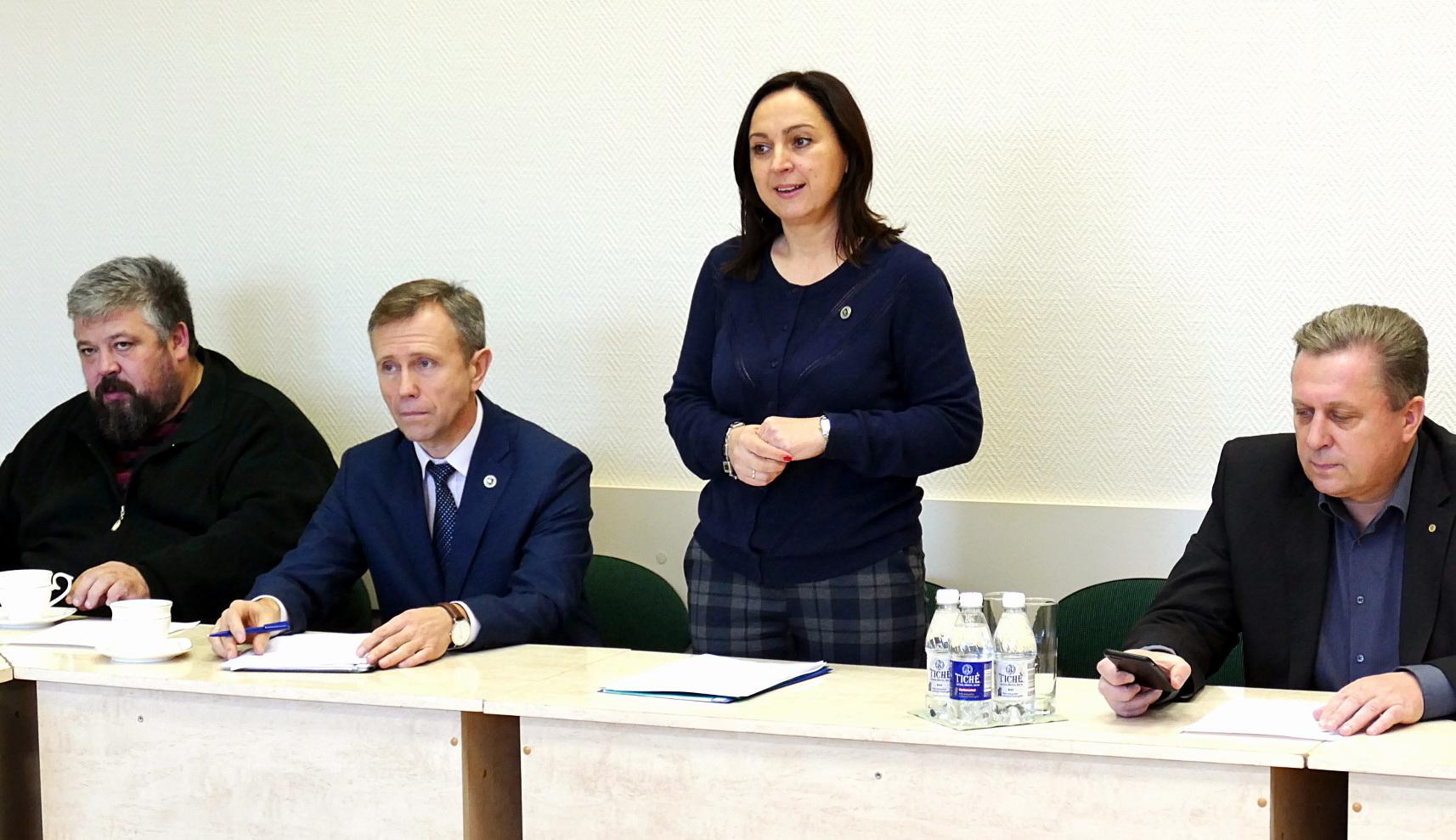 Tarybos opozicijos nariai (iš kairės): Arūnas Kurlianskas, Algirdas Gečas, Sandra Tamašauskienė, Arvydas Jakas.