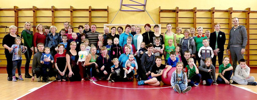 """Konkurse """"Sportiškiausia šeima"""" šiemet varžėsi 23 šeimoms atstovavę 58 varžytuvių dalyviai."""