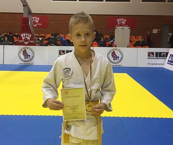 Jaunučių pirmenybių antrosios vietos laimėtojas Arnas Naujokas.