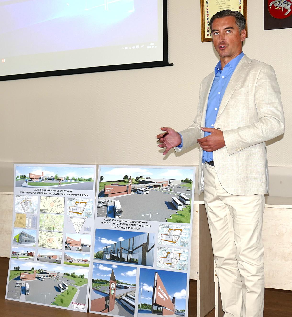 """UAB """"Projestos projektai"""" generalinis direktorius Rytis Kanapėnas tikisi, kad naują autobusų stotį ir autobusų parką pavyks pastatyti iki 2017 metų Kalėdų, o blogiausiu atveju – iki 2018 metų pavasario."""
