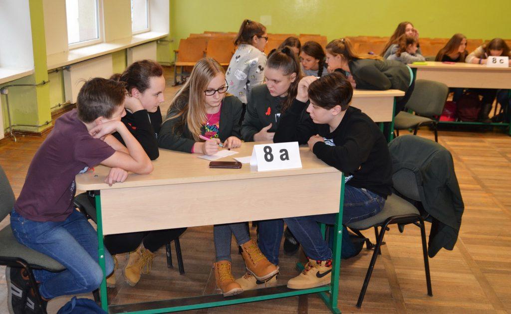 M. Jankaus pagrindinės mokyklos komanda ieško atsakymo į klausimą.