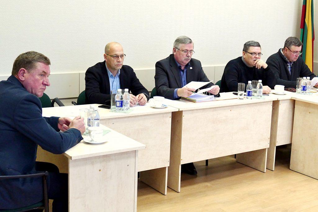 Šilutės rajono savivaldybės tarybos Ekonomikos ir finansų komiteto posėdyje nuspręsta siūlyti Tarybai svarstyti projektą dėl elektrinių autobusų pirkimo.