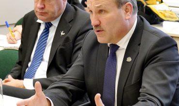 Kalbėdamas apie Šilutės PSPC susidariusią padėtį, meras Vytautas Laurinaitis sakė, kad toji įstaiga serganti vėžiu.