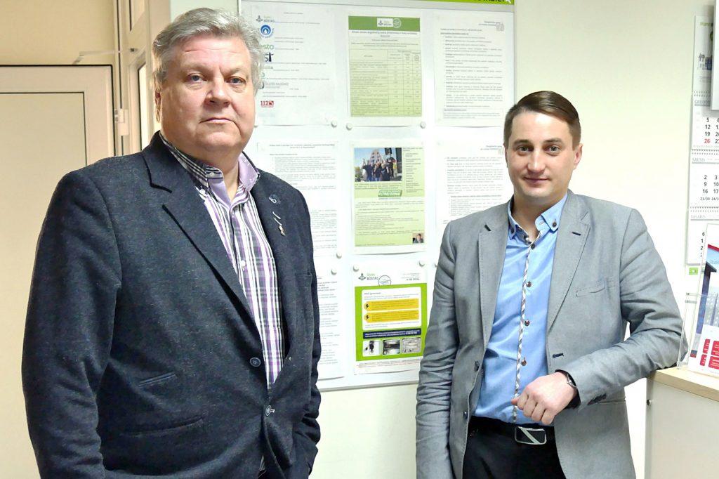 """UAB """"Šilutės būstas"""" Šilutės, Šilalės ir Pagėgių regiono vadovas Aleksas Kvederis (kairėje) ir Šilutės padalinio direktorius Marius Stankus."""