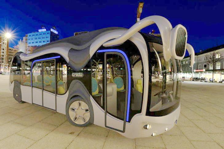 """Tikėtina, kad Šilutės autobusų parką papildysiantis elektrinis autobusas nebus toks novatoriškas, kaip šis vengrų dizainerio Peterio Simono konceptinis """"žaliasis"""" autobusas """"Credo E-Bone""""..."""